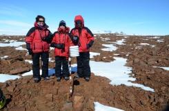 Jenna, Nicola and Tebogo at the Slettfjell logger